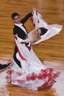 森白赤ドレス2.jpg