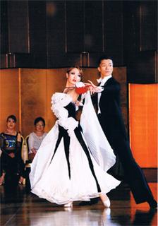 白黒ドレス1a.jpg