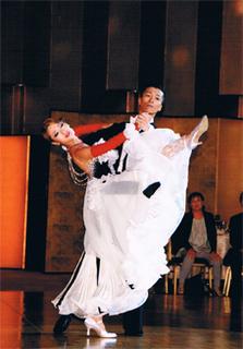 白黒ドレス2.jpg