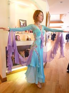 販売青ドレス1.JPG